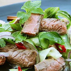Low carb Thai Steak Salad