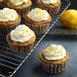 Keto Lemon and Poppy Seed Cupcakes